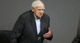 Appalling truth of Leningrad siege: 95yo Russian writer gives powerful speech at Bundestag