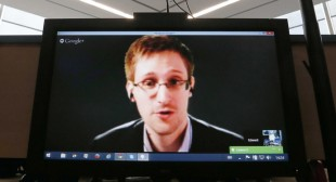 """Alternative Nobel"" human rights award goes to Snowden"
