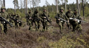 Russia to boost military presence in Crimea, response to NATO E. Europe expansion