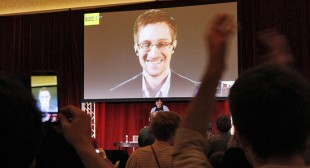 Snowden destroyed files before going to Russia – Greenwald debunks Sunday Times report