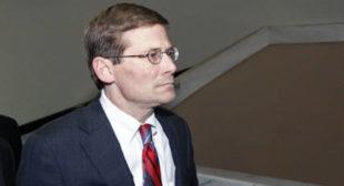 'Kill Russians and Iranians, threaten Assad,' says ex-CIA chief backing Clinton
