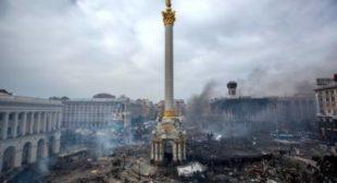 Poroshenko Leading Ukraine to 'Palace Coup' by 'Playing Along With Radicals'