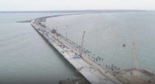 To Crimea on Foot: Another Step Towards Completion of Kerch Strait Bridge