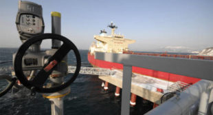 Petro-yuan helps Russia & China dump US dollar in oil trade