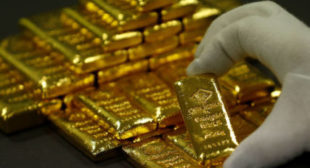 Gold glitters & dollar declines as US-China trade war escalates