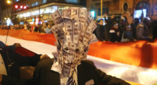 Did Russia's dumping of American debt force US Treasury to borrow more money?