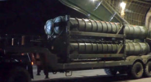 Fresh footage of S-300 system unloading in Syria released by Russian MoD (VIDEO)