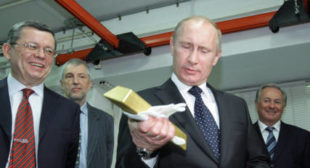 Russia Continues to Dump Dollar, Buying Up 31 Tonnes of Gold in Single Month