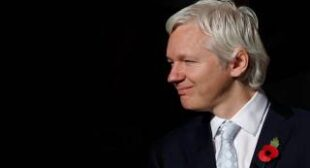 """Not real James Bonds"": Assange explains why ""small publisher"" WikiLeaks beat the Pentagon"
