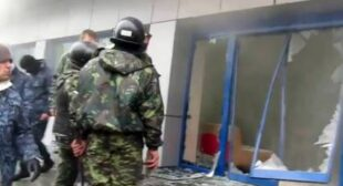 """€˜Maidan troops""  enforce ownership change of Ukrainian liquor plant"