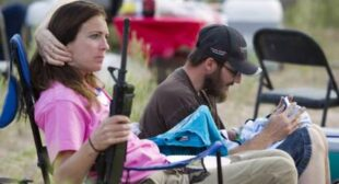FBI investigates Bundy ranch supporters