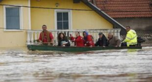 Record Balkan floods: At least 20 killed, tens of thousands forced to flee (PHOTOS)