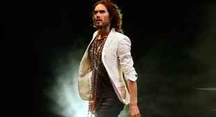Russell Brand calls Fox News' Sean Hannity a 'terrorist' for his Gaza coverage (VIDEO)