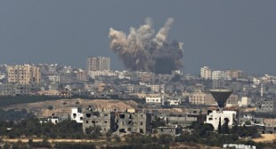 Israel resumes air strikes after rockets fired from Gaza as ceasefire ends
