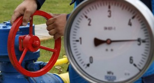 Ukraine committing economic suicide by thinking to stop gas transit