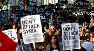 """Don't bomb Iraq & Syria!"" Stop the War to protest at Downing Street"
