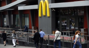 McDonald's suffers worst monthly decline in more than a decade