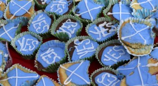 """Scottish independence: Sterling pounded on back of """"yes"""" surge"""