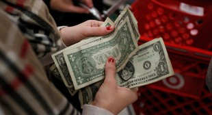 $75k income not enough to keep a third of US households from living paycheck-to-paycheck