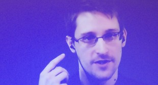 "Snowden says Australia watching its citizens ""all the time,"" slams new metadata laws"