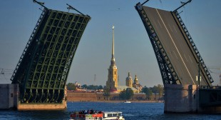 "St. Petersburg claims ""Europe's leading destination"" title"