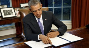 Obama vetoes NDAA over Gitmo, budget workaround