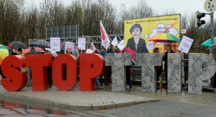 Grassroots Groups Beg Scottish MPs to Stop US Corporate Power Grab