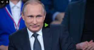 Putin dazzles with German skills as he unexpectedly steps in as translator at forum (VIDEO)