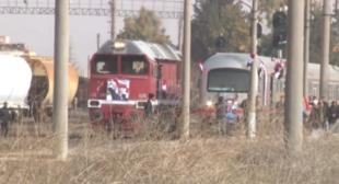 First Train Carries Passengers Through Terrorist-Free Aleppo (VIDEO)