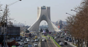 Iran's Threat to Pull Out of Nuclear Deal a 'Crystal Clear Message to the US'