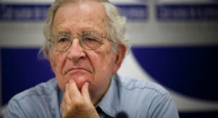 'Extremely Marginal': Noam Chomsky Slams Media Obsession With Russian Meddling