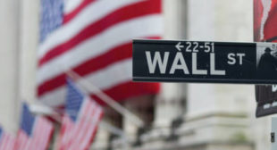 Chances of US Recession Increase Amid Mounting Risks – Reports
