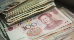 Russia Holds Quarter of International Yuan Reserves Amid US Sanctions Spree