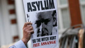 'He did nothing wrong': Giuliani defends Assange's decision to publish Hillary campaign emails