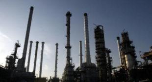 US Hopes Strangling Iran's Oil Trade Sparks Insurrection – Ex-UK Ambassador